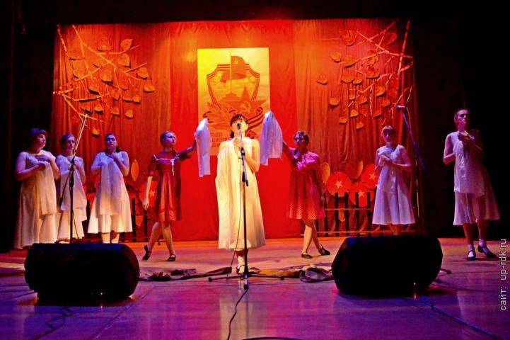 Праздничный концерт ко дню Великой победы - Вокзалы памяти_00049
